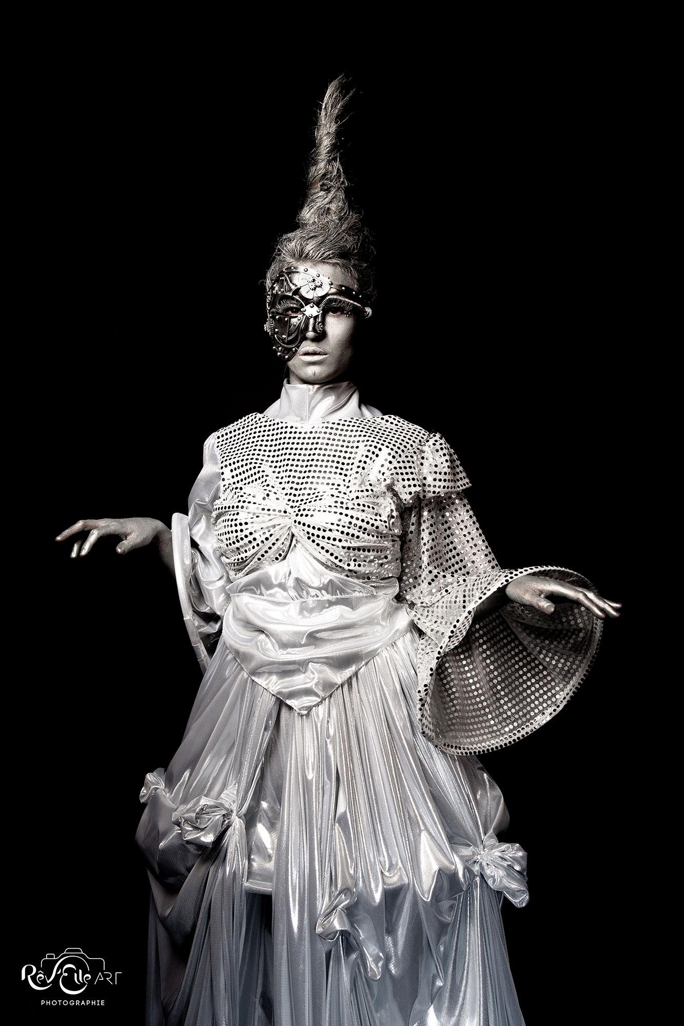 Création originale - La robe de mariée du futur